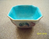 Min Yao or Peoples Ware  / Beautiful Old Chinese Dish