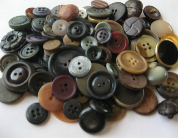 Vintage and Old Buttons over 100 buttons