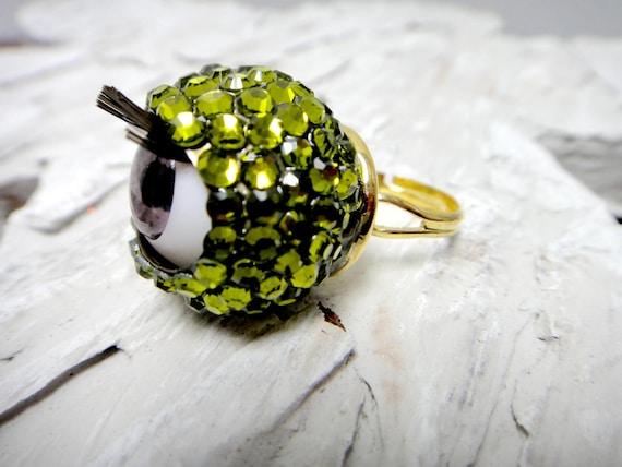 Crystal Green Color Blinked Eyeball Ring