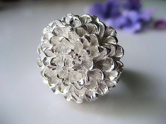 Zinnia Big Flower Ring in Pure Silver