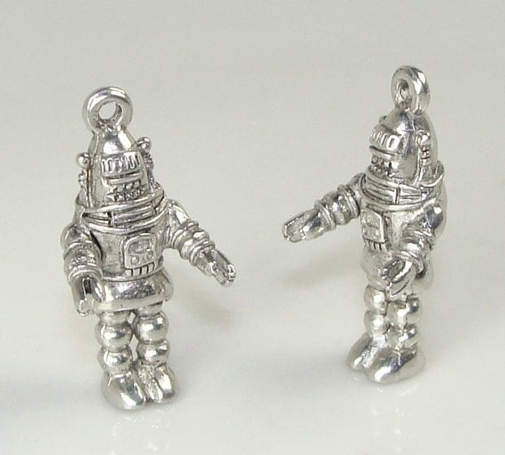 2 Robby Robot Charms Pewter (31519)