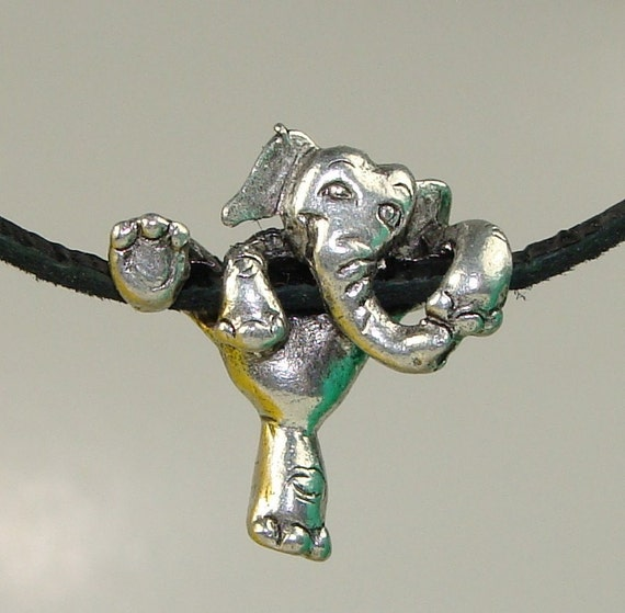 2 Hanging Elephant Bead Silver (42900)