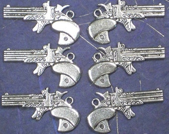 8 Retro Guns Charms Steampunk  Antique Silver Tone 2 Sided Pendants (P153)