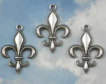 10 Fleur de Lis Charms Silver Tone Beaded Edge Pendants NOLA FDL Cajun (P586)