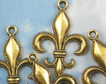 12 Antiqued Gold Fleur de Lis Charms Beaded Edge Pendants (P585)