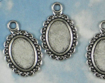 BuLK 40 Oval Bezel Cameo Settings Charms Antique Tibetan Silver Tone 13mm x 9mm Scroll Edge Pendants Glue In Frame (P849 -40)