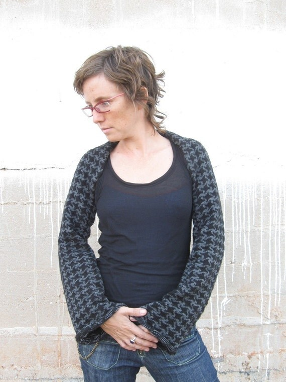 Long Sleeved Shrug Knitting Pattern : LONG SLEEVED KNITTED SHRUG with squares pattern by duende74