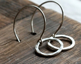recycled silver hammered circle earrings | small silver circle drop earrings | ecofriendly silver everyday earrings