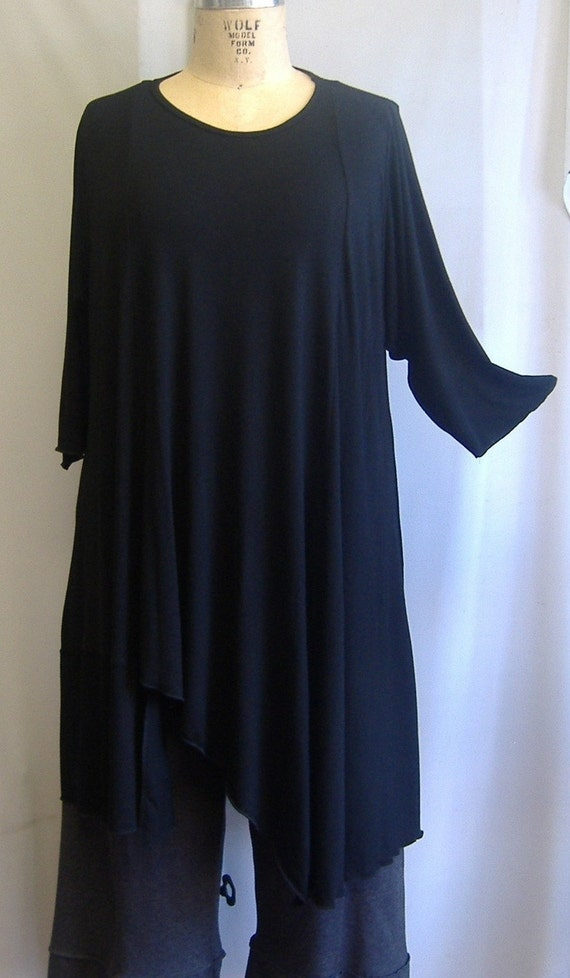 Coco and Juan Plus Size Asymmetric Tunic  Top Black Rayon Knit Size 1 (fits 1X,2X)   Bust 52 inches