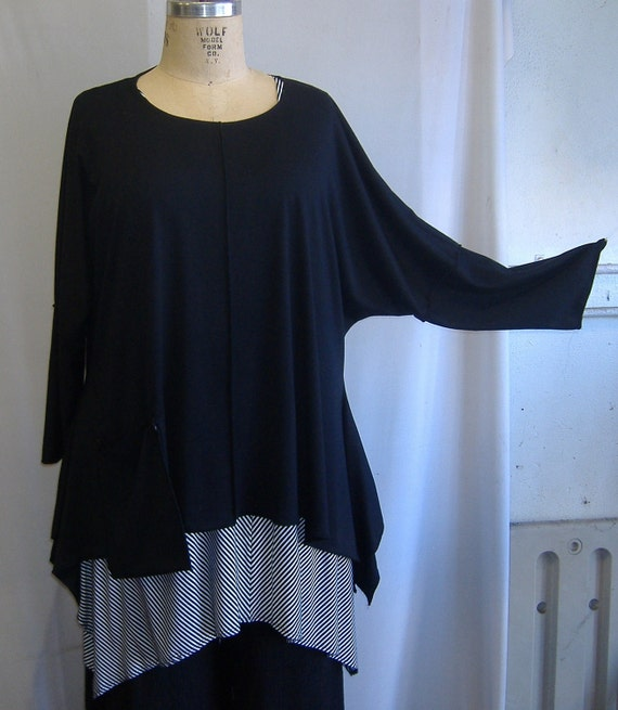 Coco and Juan Lagenlook Plus Size Top Black Knit Angled Tunic Top One Size Bust  to 60 inches