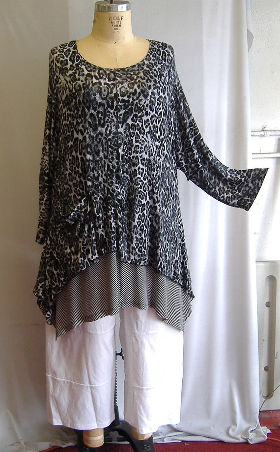 Coco and Juan Lagenlook Plus Size Top Key Leopard in Black Print Knit Angled Tunic Top One Size Bust  to 60 inches