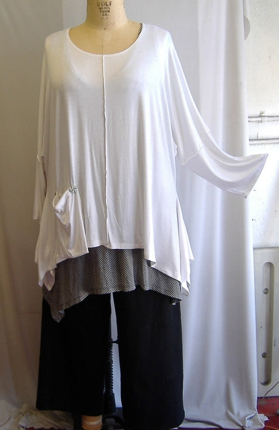 Coco and Juan Lagenlook Plus Size Top White Knit Angled Tunic Top One Size Bust  to 60 inches Reserve for Anna Stein