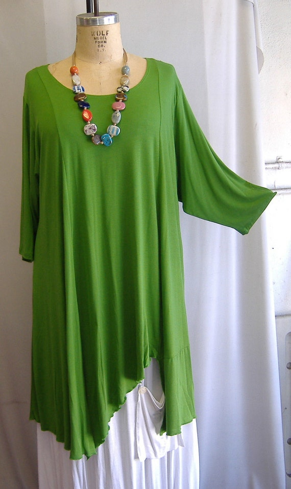 Coco and Juan Plus Size Asymmetric Tunic  Top  Key Lime Knit Size 2 (fits 3X,4X)   Bust 60 inches