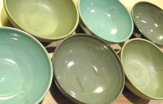 """YOU CHOOSE COLOR--6"""" Handmade Bowl-- Hand crafted pottery--  for cereal / soup / salad"""