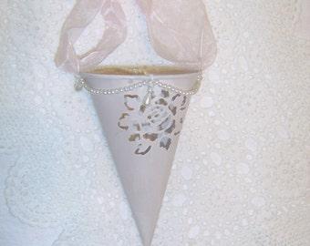 Flower Girl  Pink  Victorian Tin  Tussie Mussie