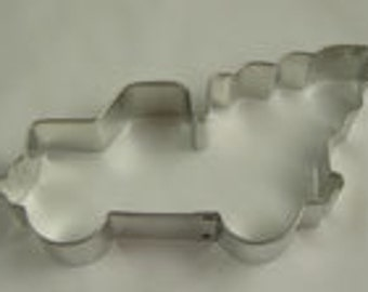 Pickup truck with Christmas tree cookie cutter, truck cookie cutter, Christmas cookie cutter, pickup cookie cutter