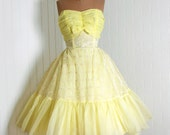 1950's Vintage Elegant Lemon-Yellow Flocked Chiffon-Couture Ruched Sweetheart Shelf-Bust Bow Strapless Nipped-Waist Rockabilly Ballerina-Cupcake Princess Circle-Skirt Bombshell Garden Wedding Formal Cocktail Prom Party Dress NEVER WORN