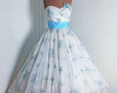 1950's Vintage Ivory-White and Baby-Blue Embroidered Floral-Garden Chiffon-Couture Sweetheart Low-Plunge Roses-Applique Strapless Nipped-Waist Rockabilly Ballerina-Cupcake Full Circle-Skirt Bombshell Sash-Train Formal Wedding Cocktail Prom Party Dress