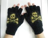 Skull knitted fingerless gloves.  Boy or Girl.