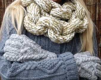 Cream/Beige Chaink Link Scarf - Knit in Pure Wool and Acrylic - UK