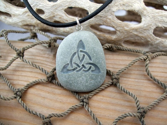 Triquetra Celtic Triple Knot necklace - engraved Beach Stone Pendant - Endless knot symbol of everlasting Unity