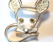 Mouse with Peridot Eyes - Sarah Coventry Pin - AWESOME - SALE