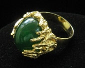 Vintage Large Green Cabochon Ladys Cocktail Ring