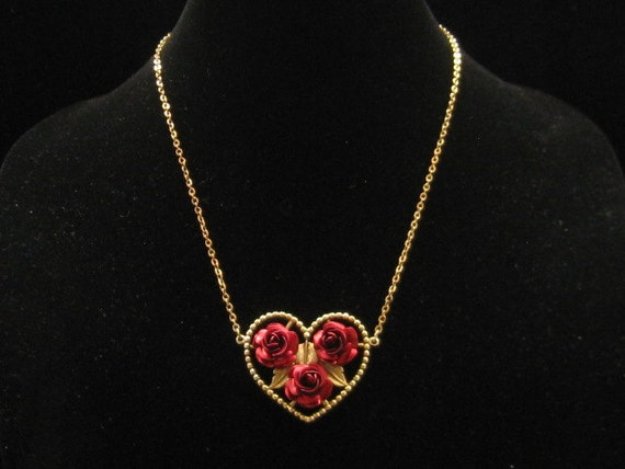 Vintage American Beauty Red Rose Heart Pendant Necklace