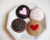 4 Felt playfood cookies with drawstring bag
