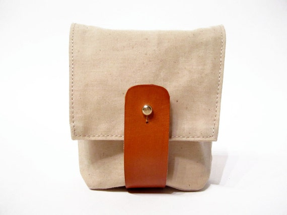 Hip Pouch in Natural waxed cotton