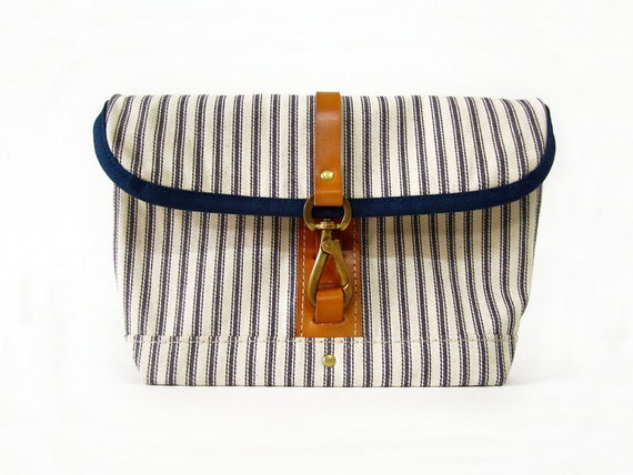 Reserved for JeNai - The Clip Clutch