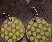 teardrop earrings-clover-spring green