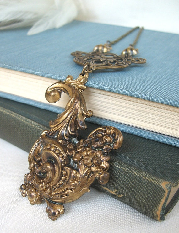 Cornucopia III - Golden brass neovictorian necklace - Elysia