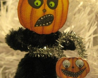 HALLOWEEN Trick or Treat  PUMPKIN  Ornament
