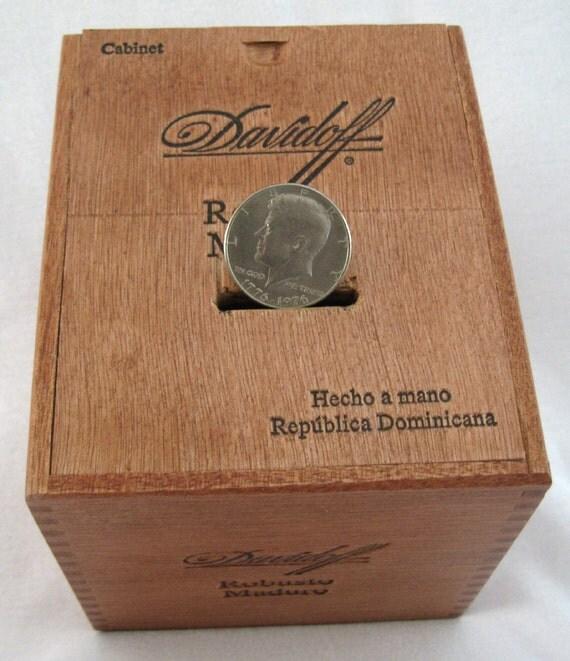 Cigar Box  Wood Bank Davidoff  Robusto Maduro