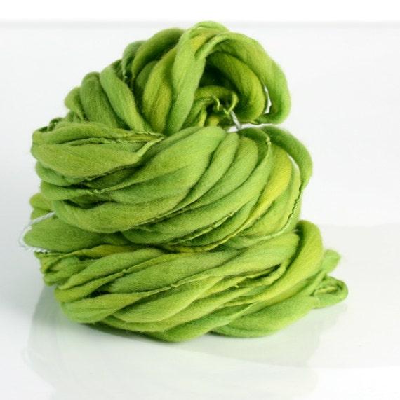 Lucky, HANDSPUN tufts yarn, Merino