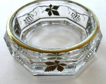 Vintage Glass Dish Grape Leaf Gold Trinket Powder Dish Ash Tray
