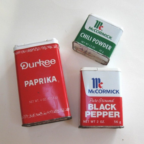 Vintage spice tin retro kitchen paprika pepper by cinfuloldies for Retro kitchen set of 6 spice tins