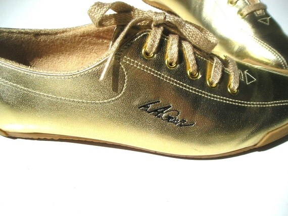 Incredible gold LA GEAR bowling shoe sneakers TWINKLE TOES...