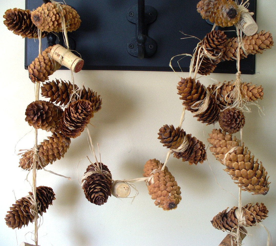 woodland wedding pinecone decor cork raffia eco friendly. Black Bedroom Furniture Sets. Home Design Ideas