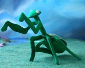 PATTERN for praying mantis PDF