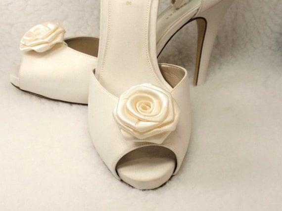 Bridal Shoe Clips Ivory color Ribbon Roses- Wedding, Reception, Engagement,