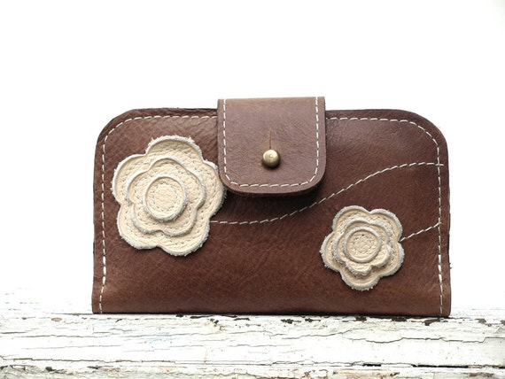 Wallet for iPhone 4, 4s,  5 Wallet Case - - -  Walnut  Leather - Feminine