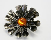 Flower Brooch - vintage