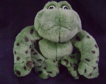 VINTAGE Froggy Went A Courting, Gund Stuffed Frog, Plush Frog, Toy Friend, Toad, Green, Pond, Kiss a Frog, Prince, Lovey