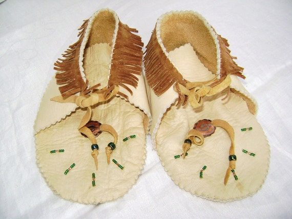 Moccasins, Handmade, Toddler Child, Soft Deerskin Leather, Pristine, Fringe, Beaded, Native American Indian, Copper, Papoose