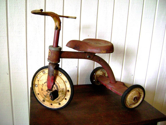 Tricycle Red Rusty Metal Junior Toy Co, 1930 40s Vintage Metal Riding Toy, Rare Art Deco, Hammond Indiana, Child's