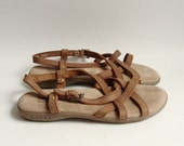 shoes 7.5 / leather sandals / strappy leather sandals / 90s 1990s Bass sandals / shoes size 7.5 / vintage shoes