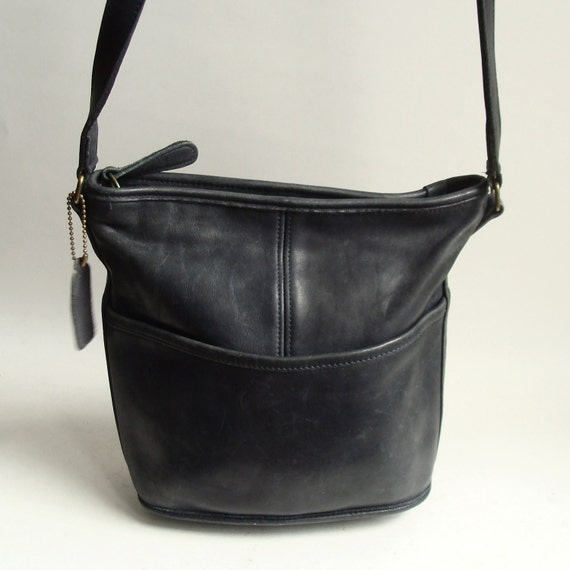Coach bag / dark navy blue leather Coach bag / leather shoulder bag / 80s 1980s Coach / vintage bag