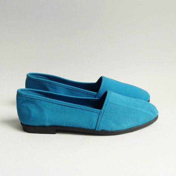 shoes 5 / blue canvas flats / 80s 1980s blue canvas sneakers / deadstock shoes size 5 / vintage shoes